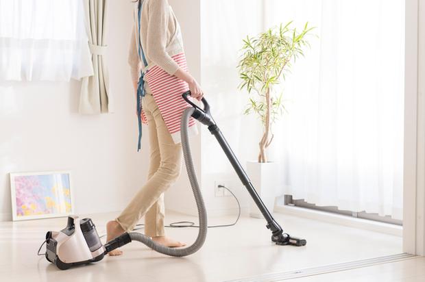 部屋の大掃除をする