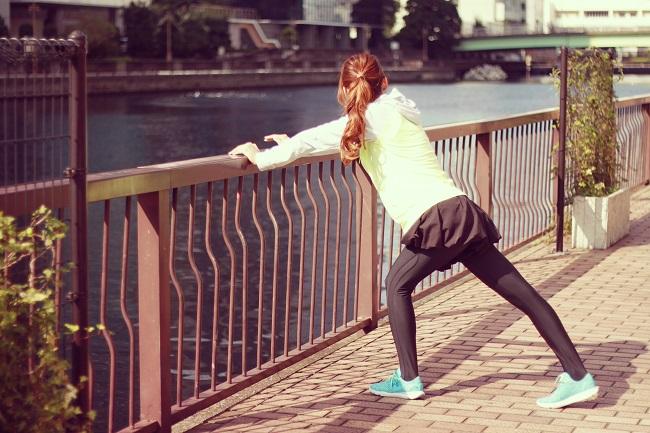 筋トレやストレッチで体を鍛える