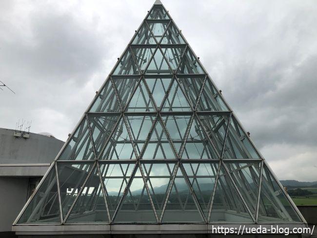 屋上展望スペース 三角ガラス