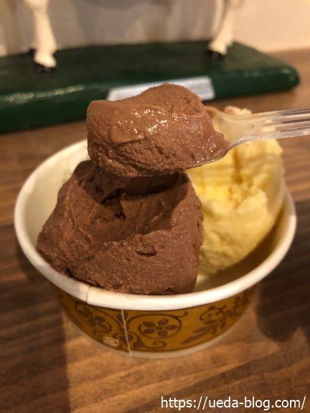 牛小屋のアイス チョコレート