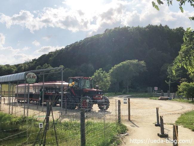 みどりの牧場 ファームツアーのバス