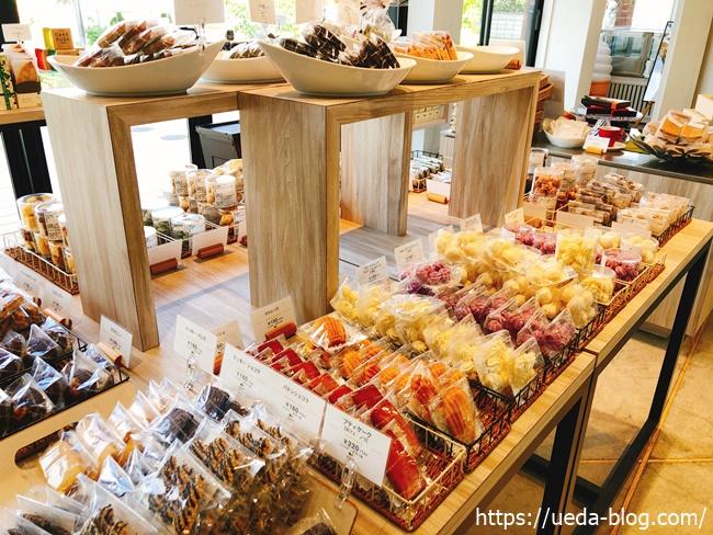 イチエのお菓子売り場