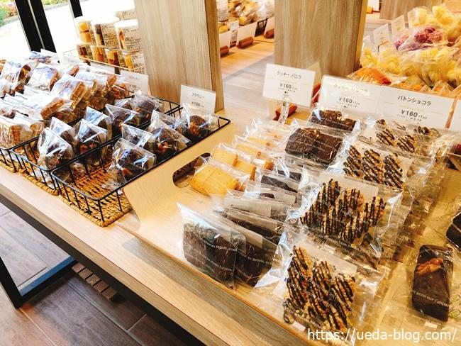 イチエのお菓子売り場2