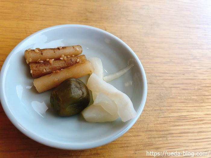 甘く仕上げられた漬け物(ごぼう,小茄子,大根の3種)